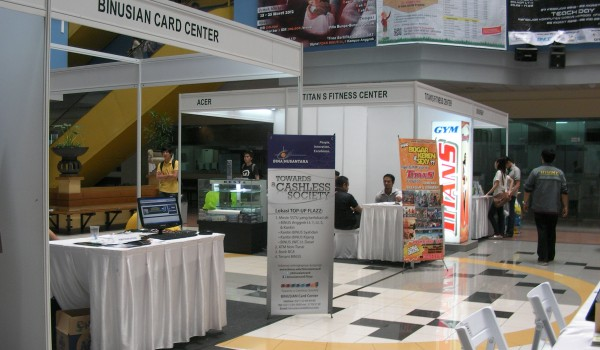 "Event BINUS Exhibition ""Cashless Vaganza 5-10 March 2012 @Campus Anggrek BINUS University"